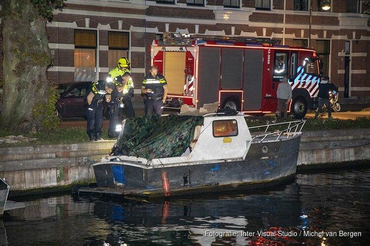 Brand op bootje aan de Oranjekade in Haarlem