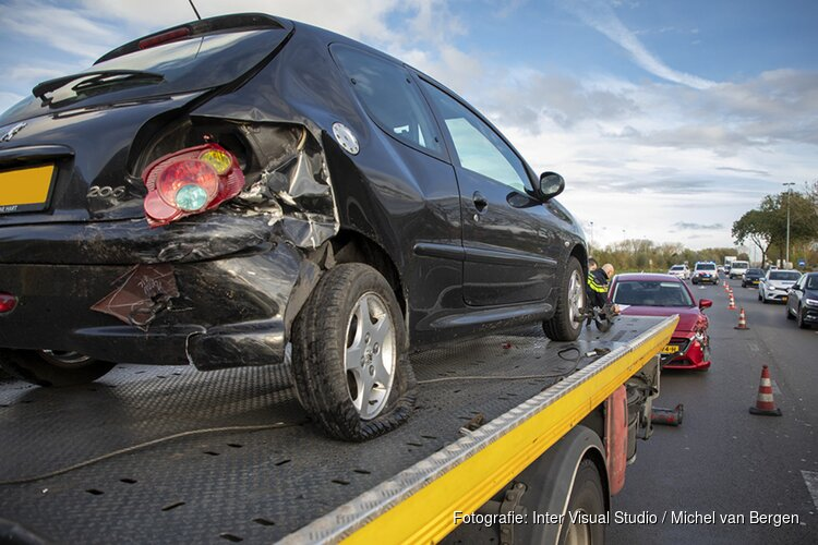 Veel schade en file door ongeval N205 Schipholweg bij Haarlem