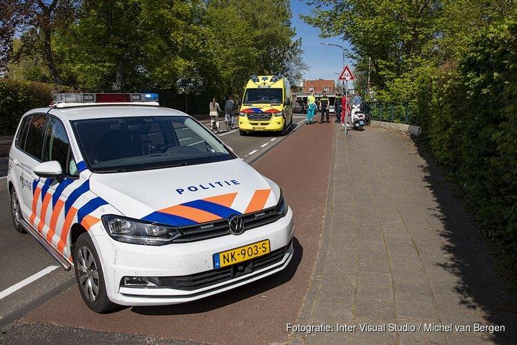 Fietser gewond na botsing met scooter op de Korte Verspronckweg