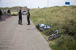 Scooterrijder gewond na botsing met fietser bij inhaalactie