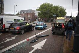 Drie auto's betrokken bij ongeluk Haarlem, één persoon in ambulance nagekeken