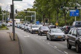 Veel vertraging door ongeval op de Prinsenbrug in Haarlem