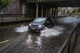 Wateroverlast door hevige regenval in Haarlem