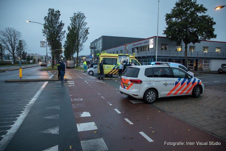 Fietser gewond na aanrijding door busje op de Oudeweg