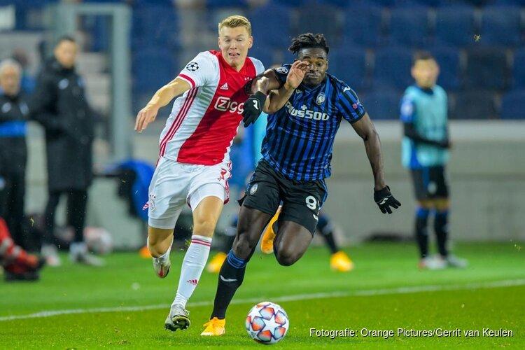 Ajax geeft voorsprong weg in Bergamo (2-2)