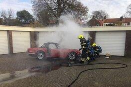 Oldtimer uit 1973 total-loss na brand in Heemstede