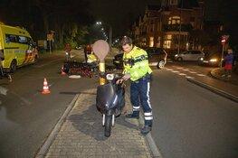 Scooterrijder gewond na aanrijding met auto in Haarlem
