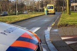 Fietsster gewond na aanrijding door auto op Groningenlaan